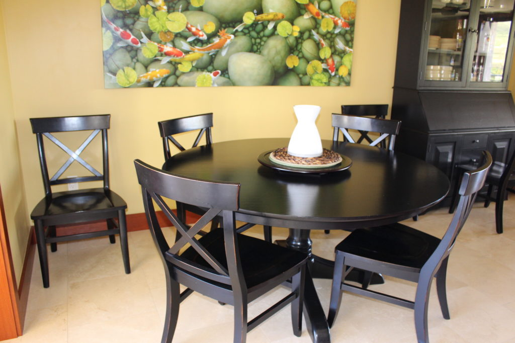 Pottery Barn - Dining Table Set