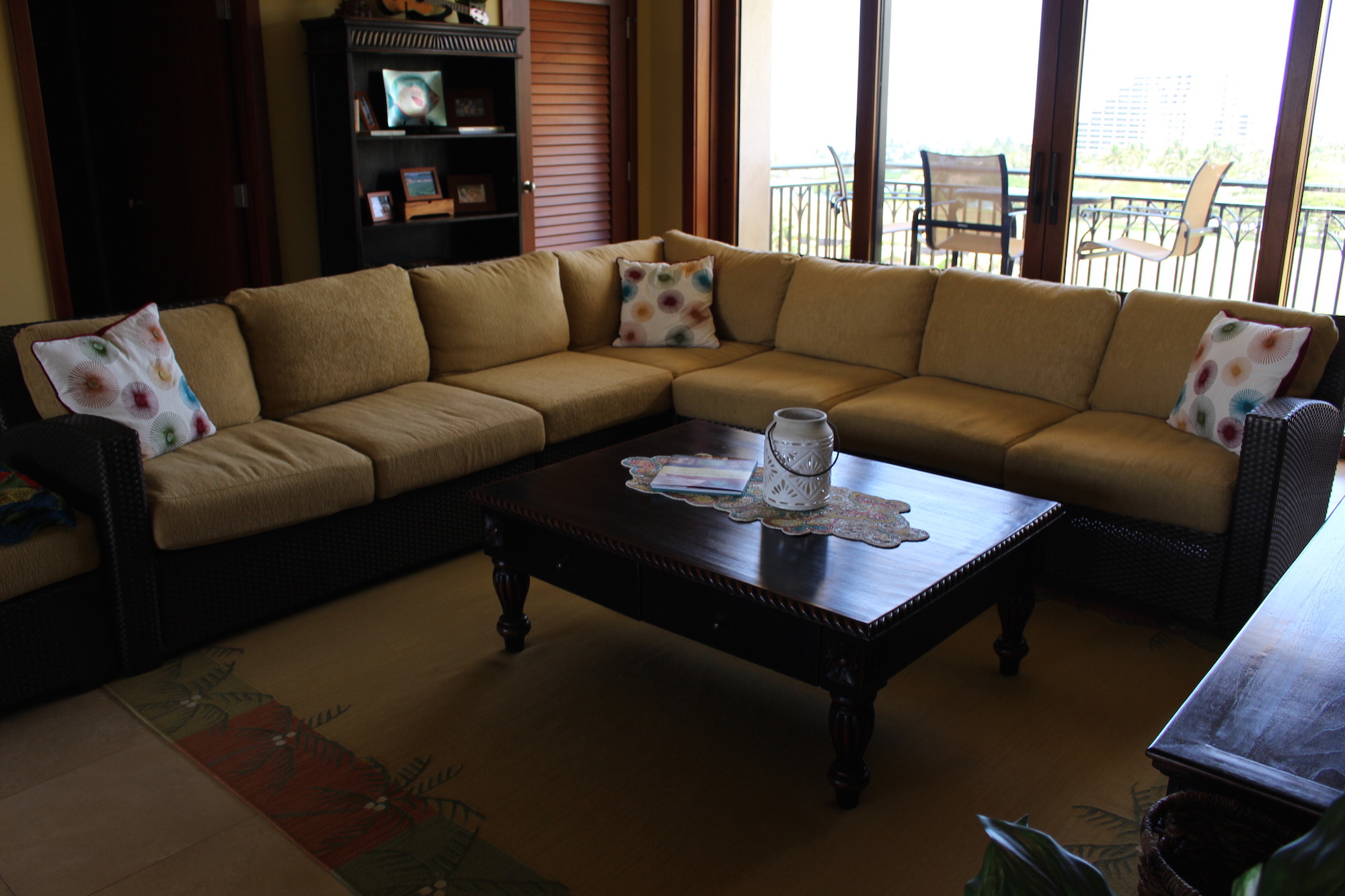 Brown jordan furniture modern leather upholstered tufted for Brown jordan tamiami chaise